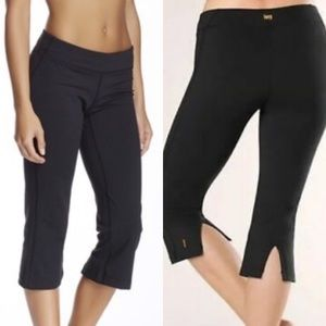 Lucy Lotus Collection PowerMax Cropped Leggings
